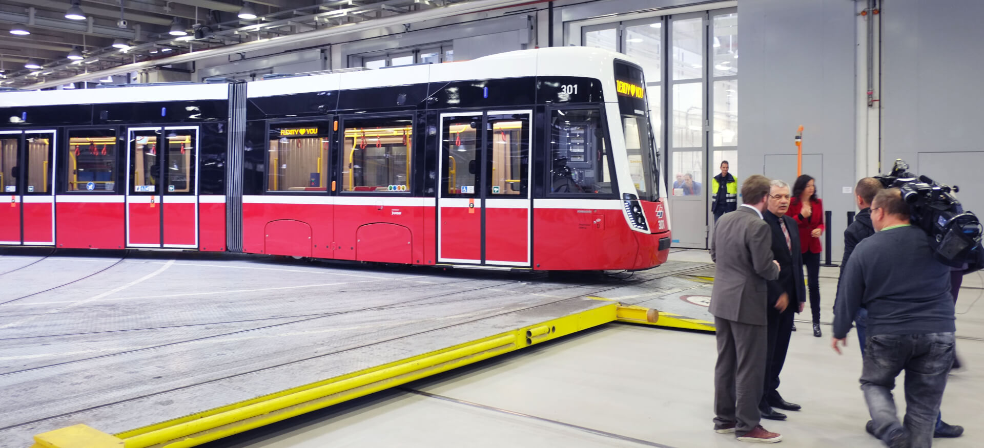 Industrial Design & Transportation Design - Döllmann Design + Architektur, Industrial Design, Transportation Design, a new vienna tram on opening