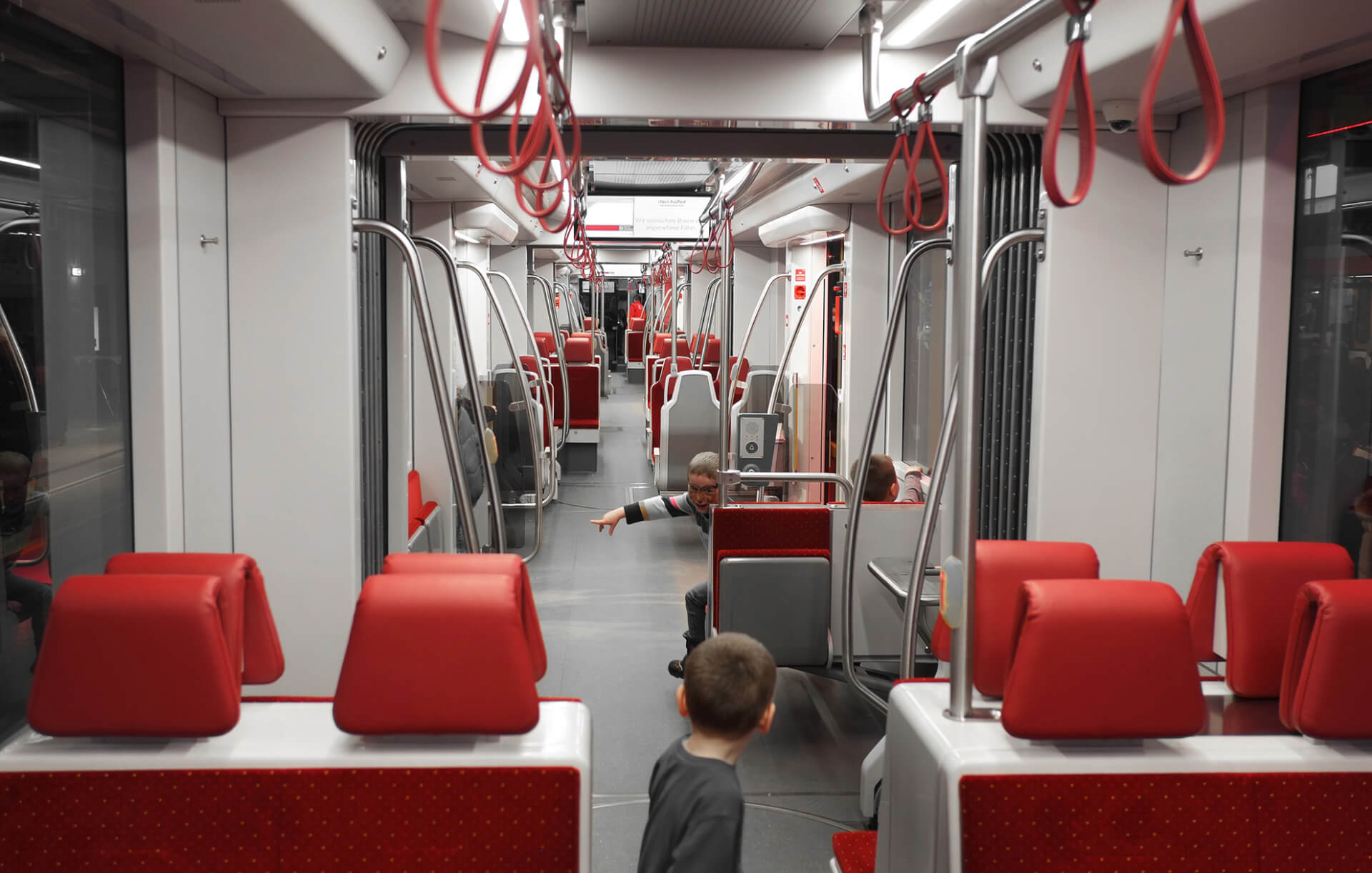 Industrial Design & Transportation Design - Döllmann Design + Architektur, Strassenbahn Gmunden, Stadler StadtRegioTram, Industrial Design, Transportation Design, Interior of a brand new tram